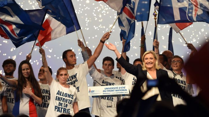 la-presidente-du-front-national-marine-le-pen-lors-de-l-universite-d-ete-du-front-national-a-marseille-le-6-septembre-2015_5409773