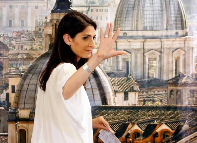 Virginia Raggi, la candidate populiste du Mouvement 5 Etoiles, a été élue dimanche maire de Rome en infligeant un véritable camouflet au Parti démocrate (PD) du chef du gouvernement Matteo Renzi. Photo Reuters.